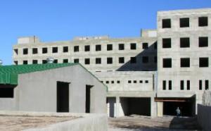 EL GOBERNADOR FIRMÓ EL CONTRATO PARA LA CONSTRUCCIÓN DEL NUEVO HOSPITAL DE ALTA COMPLEJIDAD