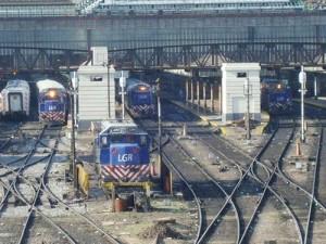 Adjudican a Supercemento obras por $ 288 millones para avanzar en la electrificación del ferrocarril Roca a La Plata