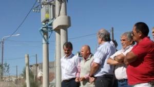 Tras una fuerte inversión del Gobierno, el barrio Perón de Madryn ya cuenta con red de distribución eléctrica