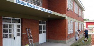 Realizan tareas de mantenimiento en CEM Bariloche y escuelas de Roca, Cipolletti y Viedma