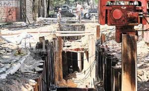 Avanza la reparación del socavón de Urquiza