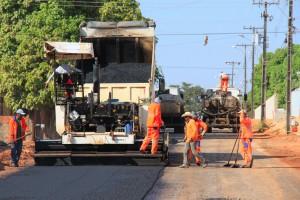 Asfalto para 100 cuadras en Paraná $24 Millones