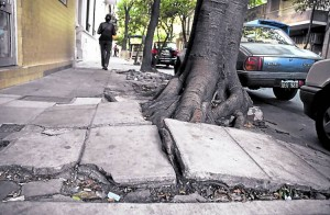Adjudicaron a SALVATORI S.A. reparar veredas en la Comuna 11