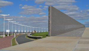 Pabellón de Acceso Parque de la Memoria 8 Ofertas