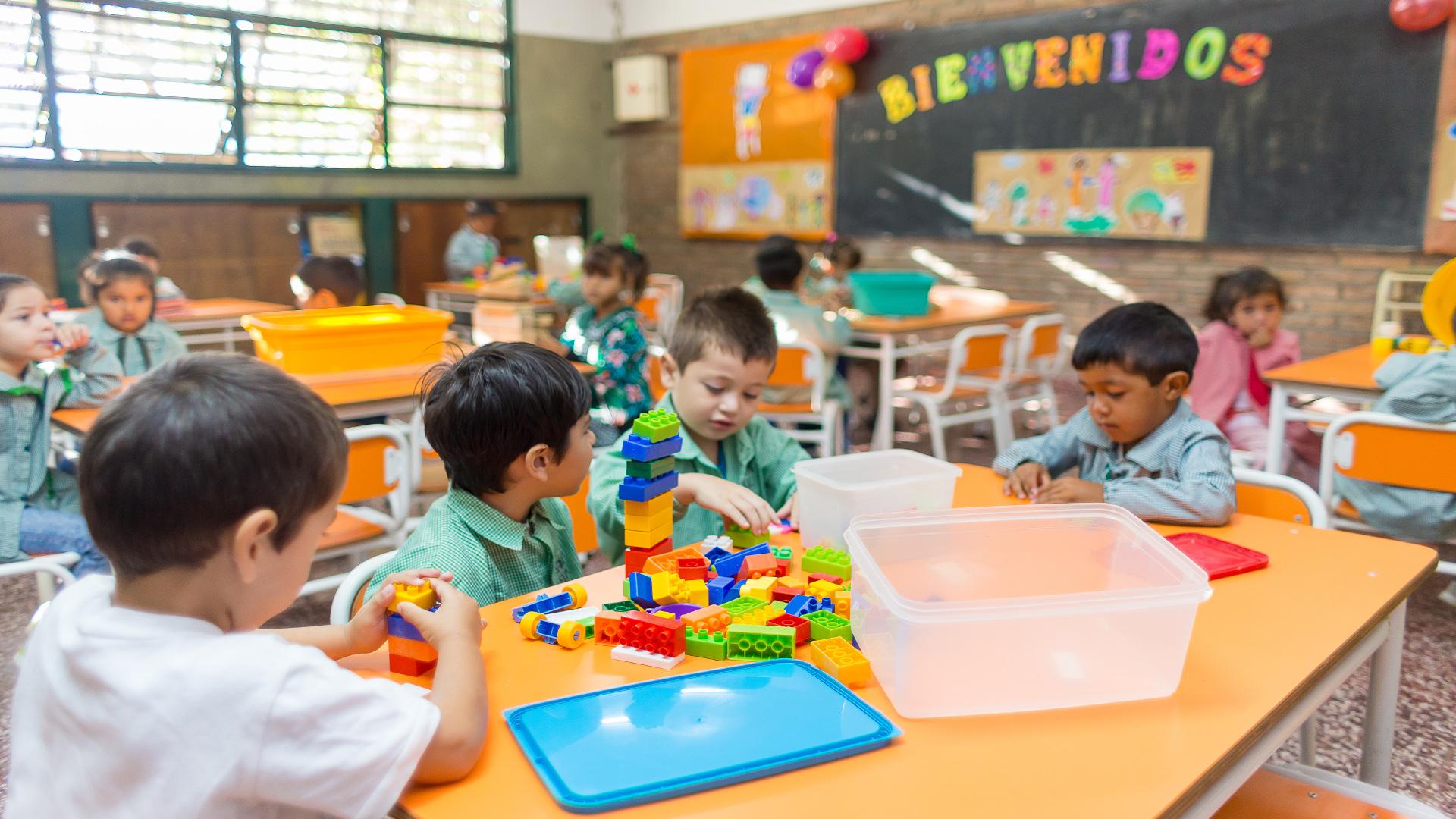 Apertura de licitaci n para escuela en jos de san mart n for Azul naranja jardin de infantes