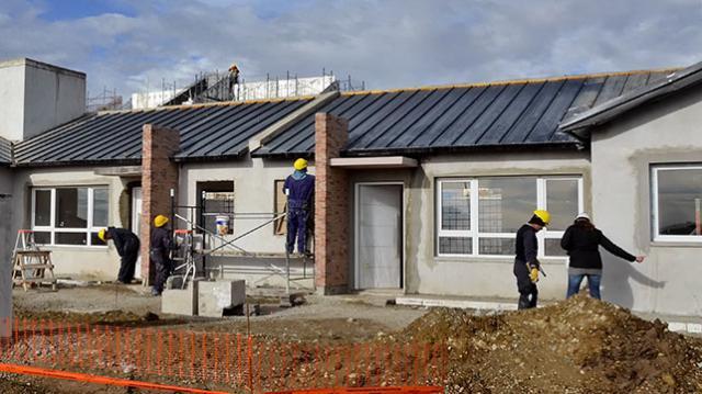 Adjudican 40 viviendas e infraestructura en r o gallegos for Constructoras de viviendas