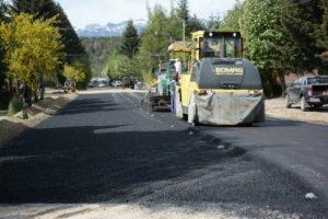 Sólo una oferta para asfaltar calles en La Angostura