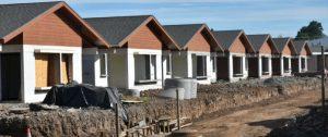 El Calafate apertura de sobres de cuatro licitaciones para la mano de obra y construcción de viviendas