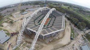 Teximco y Dal reactivan la obra del techo del estadio del Parque Roca