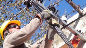 Obras eléctricas para el departamento Las Colonias $ 88 Millones 6 Empresas