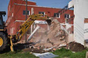 """Cemyc Inicio la demolición del edificio de la Escuela Técnica Nº 68 """"Prof. Facundo Arce"""" $38 Millones"""