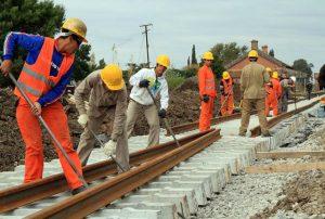 Adjudican la tercera etapa de renovación de vías del ferrocarril Belgrano Carga