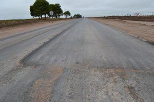Obra de alteo y pavimentación en la Ruta Provincial 14 Bajo Giuliani La Pampa $20 Millones 2 Ofertas
