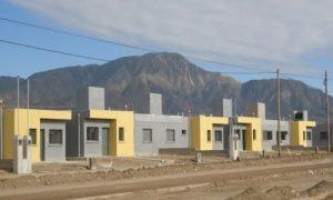 Anuncian la construcción de 1800 viviendas en La Rioja