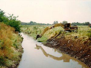 Limpiarán el arroyo Las Catonas y Los Perros para evitar inundaciones 7 Ofertas $64 Millones
