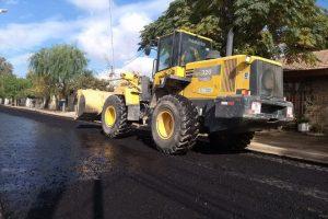 Cipolletti 300 cuadras de pavimento para el barrio Manzana del Sol y Nexos $55 Millones