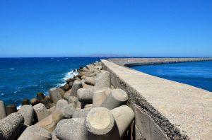 2 Ofertas para la construcción de rompeolas de Mar Chiquita $117 Millones.