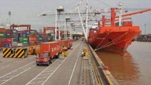 Disputa entre empresas frenaría licitación del puerto porteño