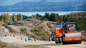 El asfalto de la Ruta Nacional 23 está a las puertas de Bariloche