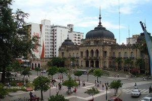 Remodelación de la plaza Independencia en Tucumán $170 millones 4 Ofertas