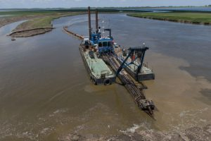 Adecuación del cauce tramo medio del Rio Lujan $ 1.600 Millones