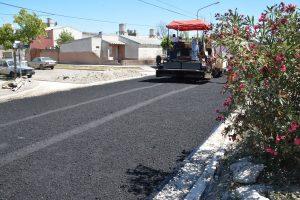 Ingeniería y Arquitectura SRL ejecuta asfalto en Barrio Lavalle Viedma $ 74 Millones