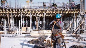 Fuerte caída de la construcción: derrumbe de la actividad privada y de la obra pública