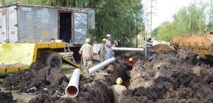 """Ofertas para la red de agua potable para vecinos del barrio """"La Unión"""" Concepción del Uruguay $ 1 Millón"""