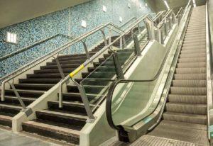 Escaleras mecánicas y mejor frecuencia para el subte porteño