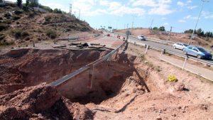 Iniciarán la reparación del socavón en la Autovía Norte de Neuquén