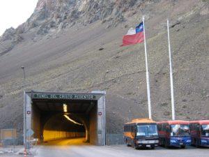 Paso Cristo Redentor: usarán un viejo túnel ferroviario para duplicar la circulación de autos entre Argentina y Chile $ 2.119 Millones