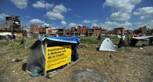 Entrega de tierras fiscales, construcción de viviendas y agua potable: el plan del Gobierno para reactivar la obra pública