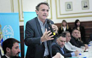 Katopodis avisó que quienes despidan trabajadores tendrán precedentes negativos en futuras licitaciones
