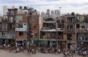 Villa 31: Coronavirus, falta de agua, y 2 U$S millones en consultoría de recursos humanos