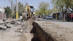 San Juan – Con protocolo COVID, se reactivan las obras cloacales en Capital y Rivadavia
