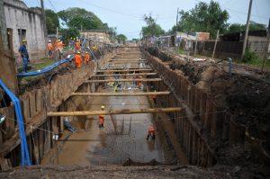 Mundo Construcciones retoma la obra del desagüe Espora