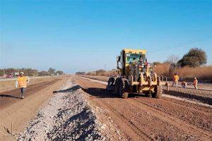 Transformación de parte de la ruta 9 en una autopista. en Tucumán y Santiago del Estero