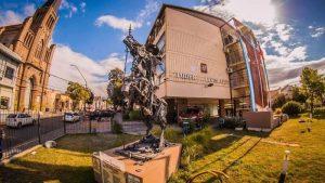 La Rioja: La fantasía de endeudar en pesos a la Provincia