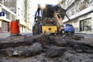Carpetas asfálticas, reciclado y renovación de calzadas en la ciudad de Rosario $ 234 Millones