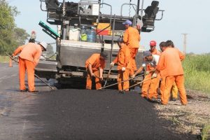 28 ofertas para las obras de bacheo en rutas de la provincia $ 231 Millones