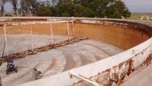 Dolavon: se firmó con GARBIN el contrato de obra para construcción de la Estación de bombeo y nexo cloacal en el barrio Las Norias y SUTIAGA