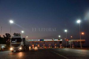 8 empresas para la obra de iluminación del acceso a Santa Fe de la autopista AP01 187 Millones