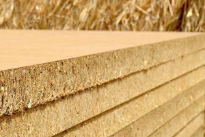 Falucho firma el acuerdo para la planta de paneles a base de rastrojo de trigo