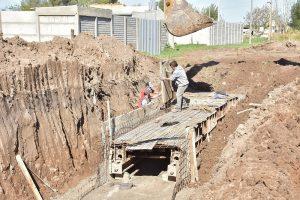 Pluvial Ewald Flagel y Canal de Guarda Cerro Viteau $25M