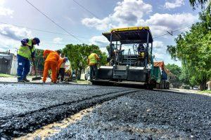 Pavimento de calle en Gral Roca $17M